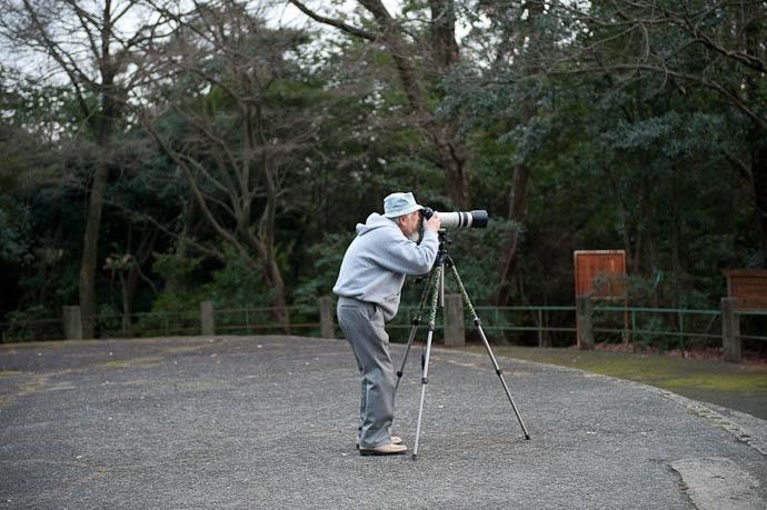 like me, Hoping for a Nice Sunset -- Shogunzuka -- Kyoto, Japan -- Copyright 2009 Jeffrey Friedl, http://regex.info/blog/