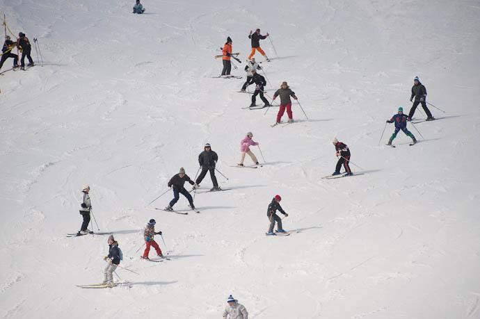 Round Trip -- Hakodateyama Ski -- Takashima, Shiga, Japan -- Copyright 2009 Jeffrey Friedl, http://regex.info/blog/