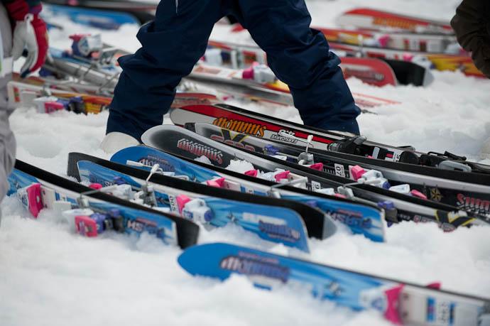 Preschool Skis -- Hakodateyama Ski -- Takashima, Shiga, Japan -- Copyright 2009 Jeffrey Friedl, http://regex.info/blog/