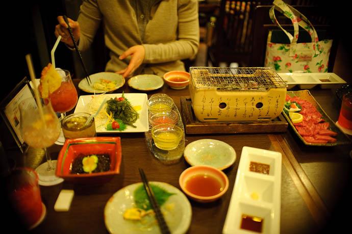 Stuff Arrives including a bazillion sauces of various kinds -- Ishigaki, Okinawa, Japan -- Copyright 2009 Jeffrey Friedl, http://regex.info/blog/