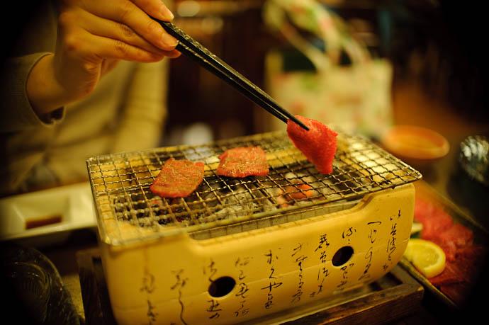 Dinner is Served -- Ishigaki, Okinawa, Japan -- Copyright 2009 Jeffrey Friedl, http://regex.info/blog/