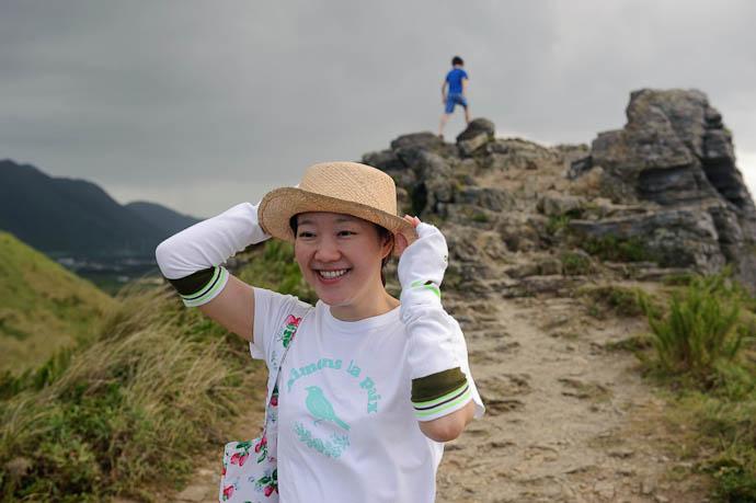 Hold On To Your Hats it's windy! -- Ishigaki, Okinawa, Japan -- Copyright 2009 Jeffrey Friedl, http://regex.info/blog/