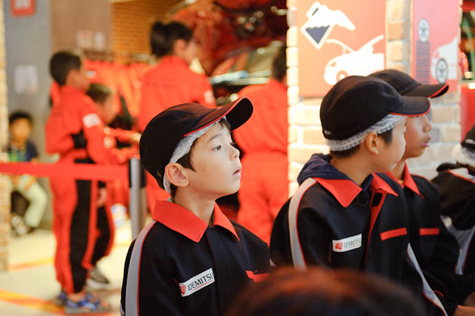 "Awaiting His Turn for his first ""job"" at KidZania -- KidZania Koshien -- Kyoto, Japan -- Copyright 2009 Jeffrey Friedl, http://regex.info/blog/"