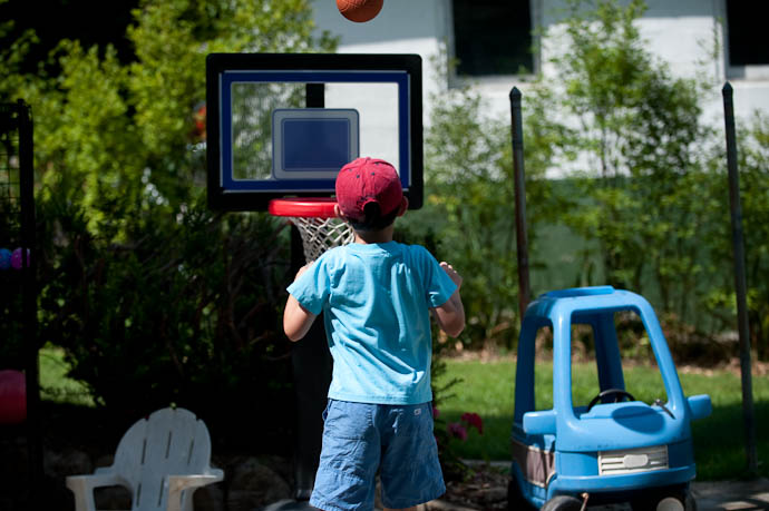 Three Pointer -- My Folks' Place -- Rootstown, Ohio, USA -- Copyright 2009 Jeffrey Friedl, http://regex.info/blog/
