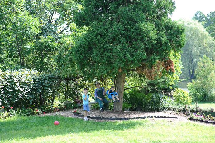 Anthony, Grandma, and Luke -- Rootstown, Ohio, USA -- Copyright 2009 Jeffrey Friedl, http://regex.info/blog/