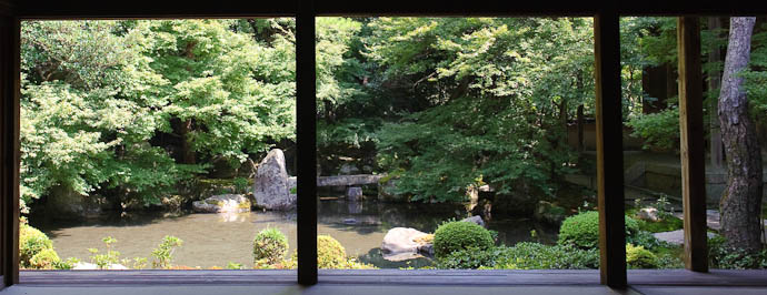 Garden -- Renge-ji Temple -- Kyoto, Japan -- Copyright 2009 Jeffrey Friedl, http://regex.info/blog/