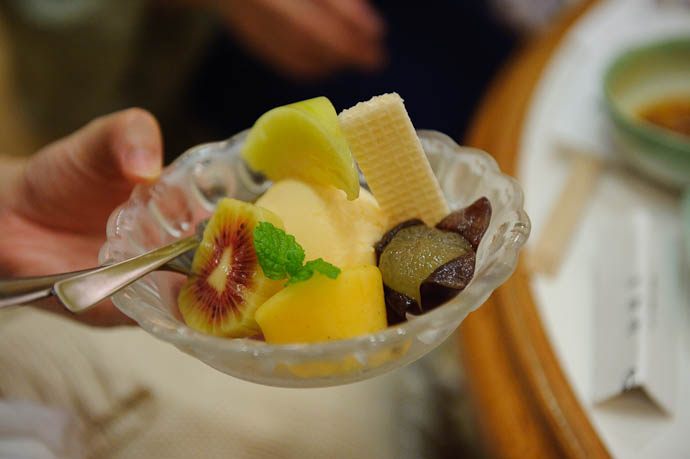 Dessert -- Moritaya Restaurant -- Kyoto, Japan -- Copyright 2009 Jeffrey Friedl, http://regex.info/blog/