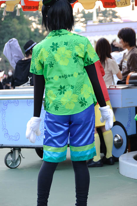 Hawaiian Mickey? -- Tokyo Disneyland -- Urayasu, Chiba, Japan -- Copyright 2009 Jeffrey Friedl, http://regex.info/blog/