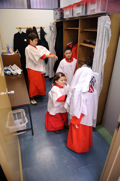 Shenanigans Before Mass Five-year-old Kyoko-chan uses Anthony as a human coat rack -- Kyoto Kawaramachi Catholic Church -- Kyoto, Japan -- Copyright 2010 Jeffrey Friedl, http://regex.info/blog/