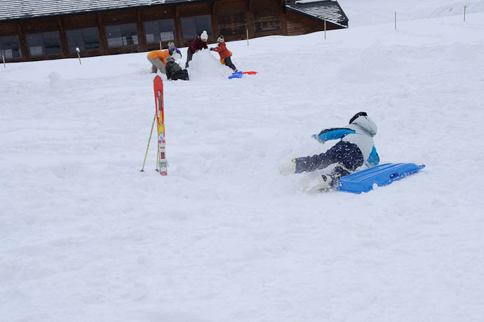 Yup, Wiped Out -- Makino Ski Area -- Takashima, Shiga, Japan -- Copyright 2010 Jeffrey Friedl, http://regex.info/blog/