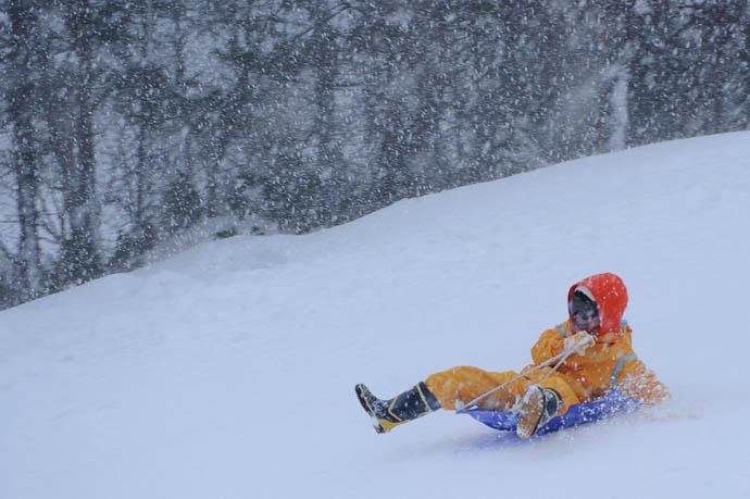 About to Lose Control -- Makino Ski Area -- Takashima, Shiga, Japan -- Copyright 2010 Jeffrey Friedl, http://regex.info/blog/