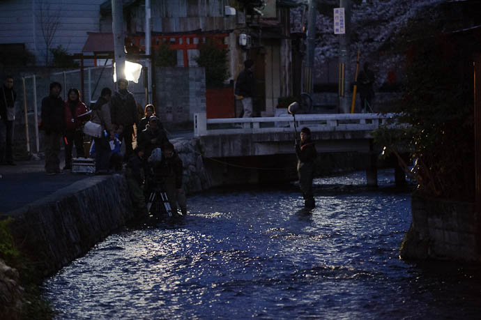 Evening Movie Shoot -- Kyoto, Japan -- Copyright 2010 Jeffrey Friedl, http://regex.info/blog/
