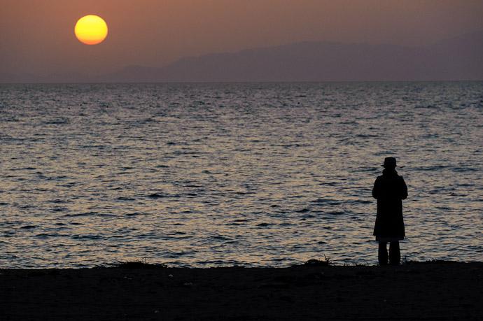 Sunset Over the Seto Inland Sea From Awaji Island, Japan -- Minamiawaji, Hyogo, Japan -- Copyright 2010 Jeffrey Friedl, http://regex.info/blog/