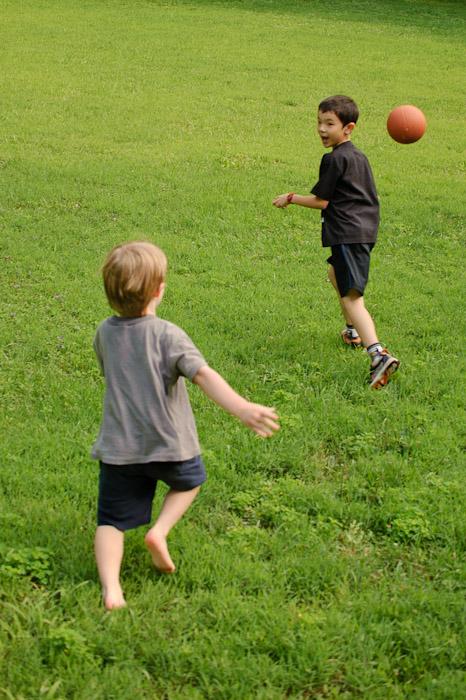 Dodging Balls -- Rootstown, OH, USA -- Copyright 2010 Jeffrey Friedl, http://regex.info/blog/