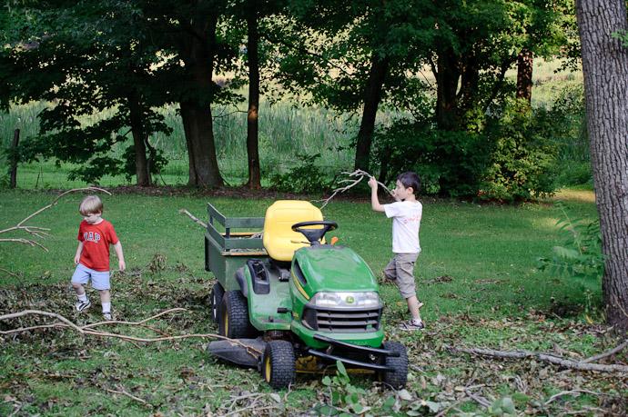 Grandpa's Helpers -- Rootstown, OH, USA -- Copyright 2010 Jeffrey Friedl, http://regex.info/blog/