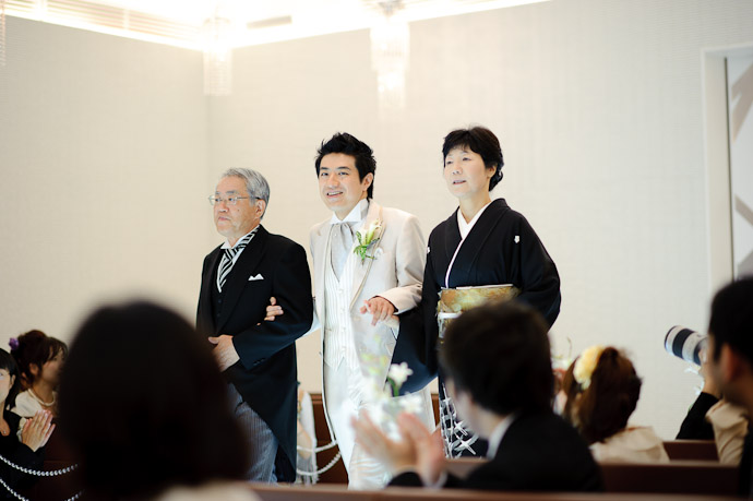 Shogo Enters First escorted by his parents -- Wedding of Shogo and Namiko -- Nagoya, Aichi, Japan -- Copyright 2010 Jeffrey Friedl, http://regex.info/blog/