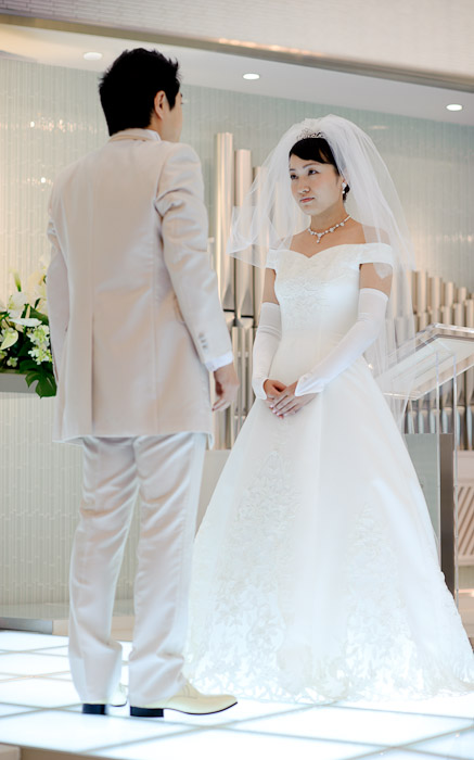 Veil Has Been Lifted -- Wedding of Shogo and Namiko -- Nagoya, Aichi, Japan -- Copyright 2010 Jeffrey Friedl, http://regex.info/blog/