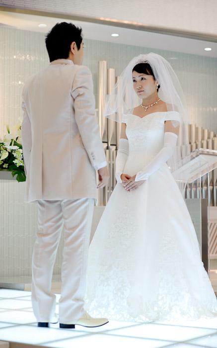 Veil Has Been Lifted -- Wedding of Shogo and Namiko -- Nagoya, Aichi, Japan -- Copyright 2010 Jeffrey Friedl, http://regex.info/blog/