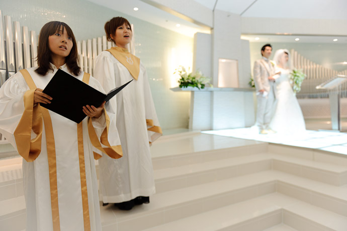 Ave Maria -- Wedding of Shogo and Namiko -- Nagoya, Aichi, Japan -- Copyright 2010 Jeffrey Friedl, http://regex.info/blog/