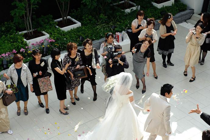 Surrounded by Friends -- Wedding of Shogo and Namiko -- Nagoya, Aichi, Japan -- Copyright 2010 Jeffrey Friedl, http://regex.info/blog/