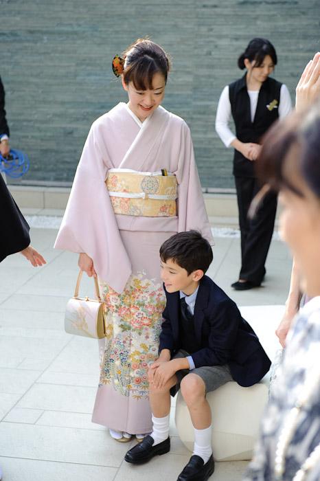 My Honey and Our Boy -- Wedding of Shogo and Namiko -- Nagoya, Aichi, Japan -- Copyright 2010 Jeffrey Friedl, http://regex.info/blog/