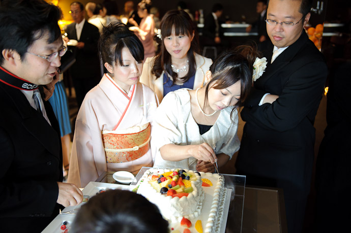 Group Effort -- Wedding of Shogo and Namiko -- Nagoya, Aichi, Japan -- Copyright 2010 Jeffrey Friedl, http://regex.info/blog/