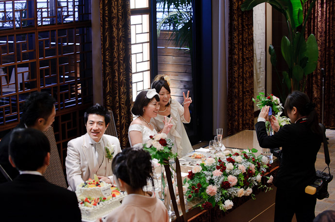 Namiko and Friend -- Wedding of Shogo and Namiko -- Nagoya, Aichi, Japan -- Copyright 2010 Jeffrey Friedl, http://regex.info/blog/