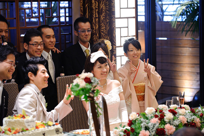 Let's Just Make It One Big Photo Op -- Wedding of Shogo and Namiko -- Nagoya, Aichi, Japan -- Copyright 2010 Jeffrey Friedl, http://regex.info/blog/