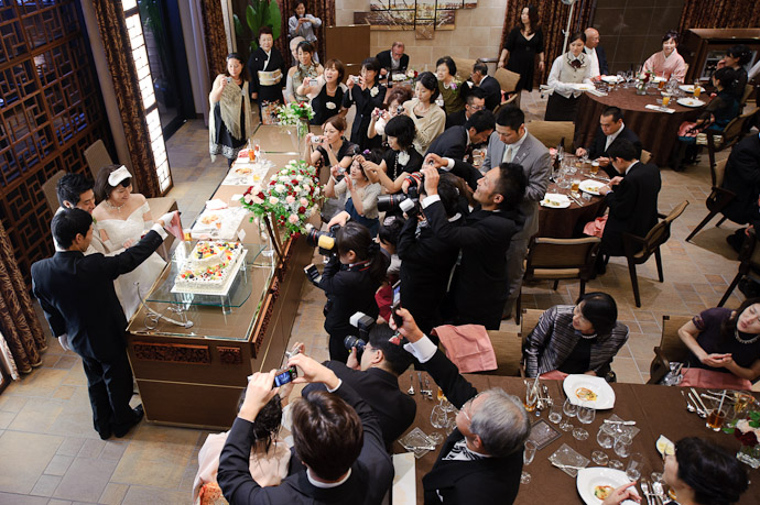 17 Cameras 18, if you count one sitting, inexplicably unused, on a table -- Wedding of Shogo and Namiko -- Nagoya, Aichi, Japan -- Copyright 2010 Jeffrey Friedl, http://regex.info/blog/