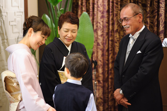 Introducing Anthony to his uncle's in-laws.... is there a word for that relationship? -- Wedding of Shogo and Namiko -- Nagoya, Aichi, Japan -- Copyright 2010 Jeffrey Friedl, http://regex.info/blog/