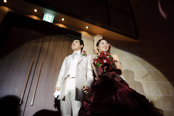 Bigger than Life -- Wedding of Shogo and Namiko -- Nagoya, Aichi, Japan -- Copyright 2010 Jeffrey Friedl, http://regex.info/blog/