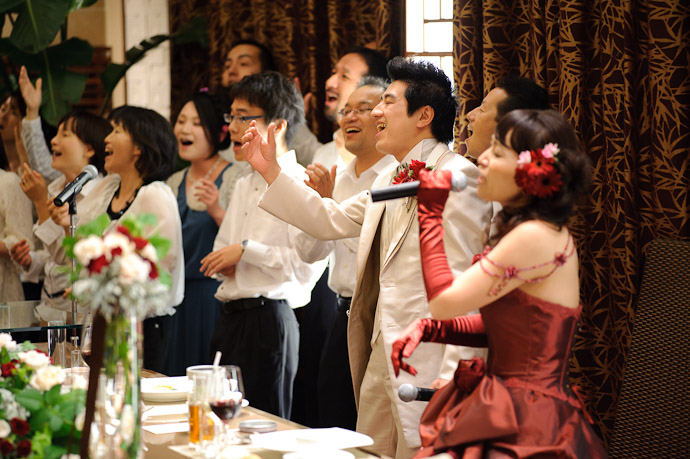 Showmanship -- Wedding of Shogo and Namiko -- Nagoya, Aichi, Japan -- Copyright 2010 Jeffrey Friedl, http://regex.info/blog/