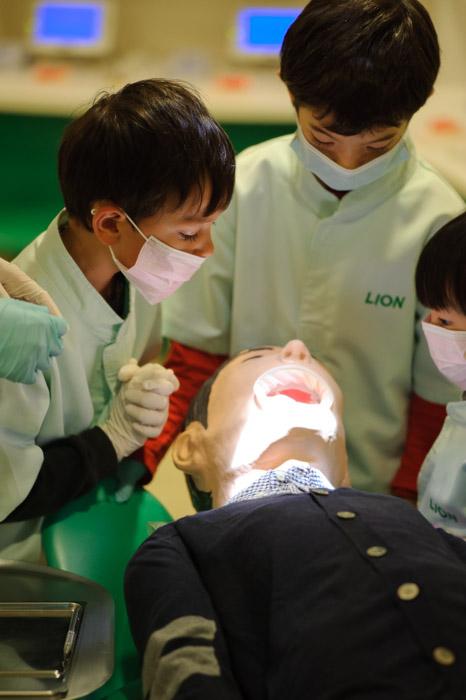 Patient Triage -- Kidzania -- Nishinomiya, Hyogo, Japan -- Copyright 2010 Jeffrey Friedl, http://regex.info/blog/