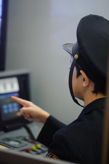 Employing Shisa Kanko for added safety -- Kidzania -- Nishinomiya, Hyogo, Japan -- Copyright 2010 Jeffrey Friedl, http://regex.info/blog/