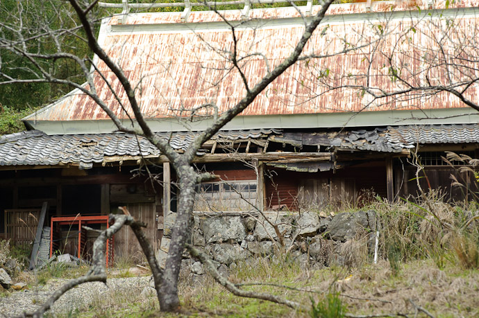 Abandoned -- Kyoto, Japan -- Copyright 2010 Jeffrey Friedl, http://regex.info/blog/