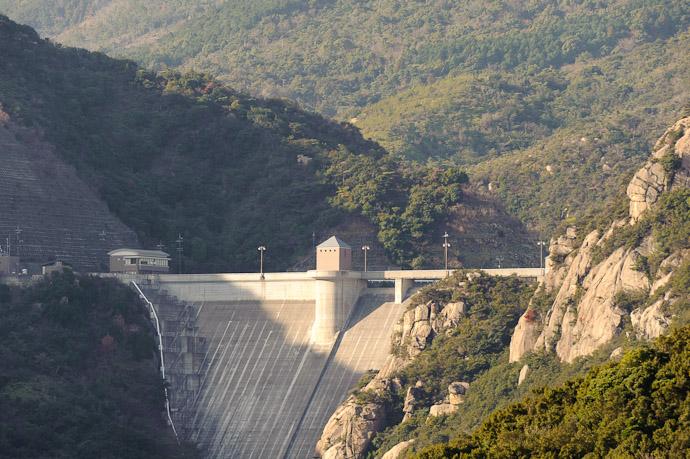Yoshida Dam -- Shodoshima, Kagawa, Japan -- Copyright 2010 Jeffrey Friedl, http://regex.info/blog/