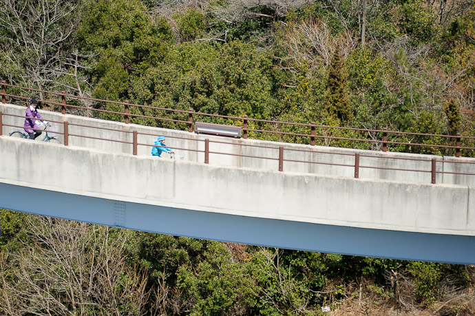 Zoomin' -- Imabari, Ehime, Japan -- Copyright 2011 Jeffrey Friedl, http://regex.info/blog/