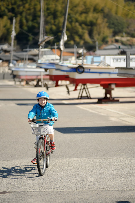 Enjoying The Bike -- Imabari, Ehime, Japan -- Copyright 2011 Jeffrey Friedl, http://regex.info/blog/