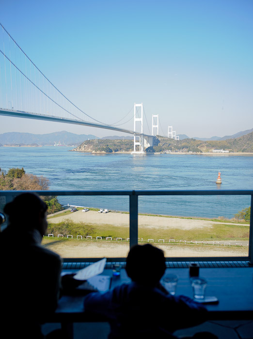 Ready for a Late-Afternoon Snack -- Imabari, Ehime, Japan -- Copyright 2011 Jeffrey Friedl, http://regex.info/blog/
