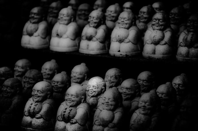 Happy Little Man -- Imakumano Kannonji Temple (今熊野観音寺) -- Kyoto, Japan -- Copyright 2011 Jeffrey Friedl, http://regex.info/blog/