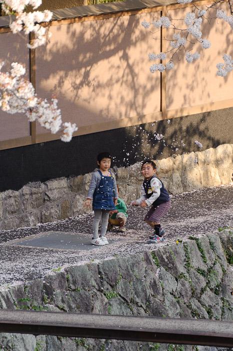 Thar She Blows -- Kyoto, Japan -- Copyright 2011 Jeffrey Friedl, http://regex.info/blog/