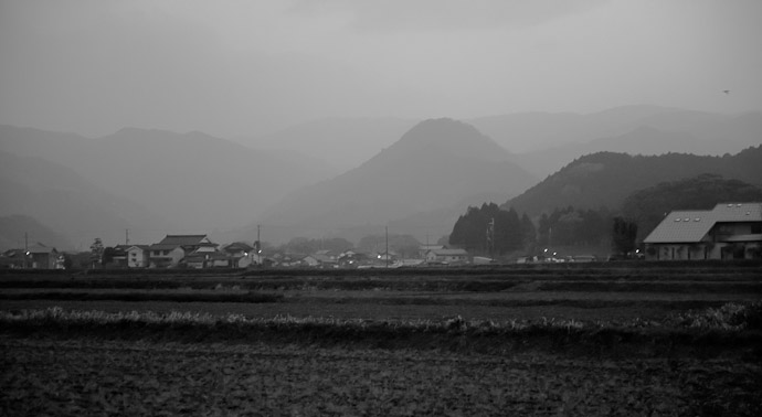 Evening Mist in Rural Japan ( sort of ) -- Toyooka, Hyogo, Japan -- Copyright 2011 Jeffrey Friedl, http://regex.info/blog/
