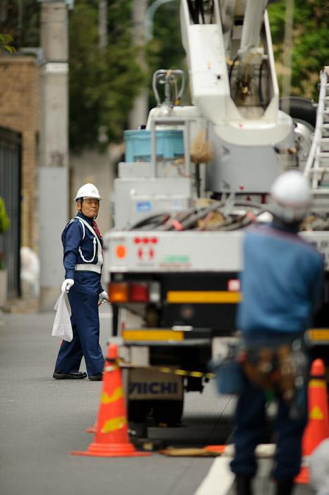 Traffic Control -- Minato Ward, Tokyo, Japan -- Copyright 2011 Jeffrey Friedl, http://regex.info/blog/