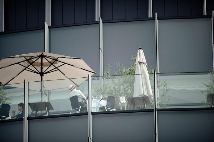 Upscale Afternoon -- Tokyo Midtown -- Minato Ward, Tokyo, Japan -- Copyright 2011 Jeffrey Friedl, http://regex.info/blog/