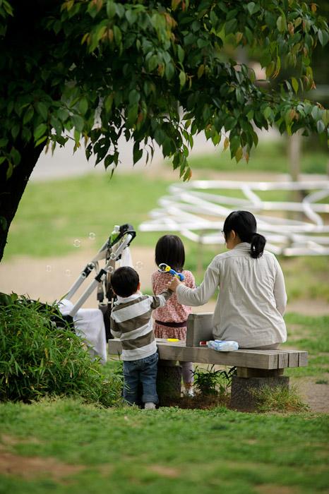 Bubbles -- Tokyo Midtown -- Minato Ward, Tokyo, Japan -- Copyright 2011 Jeffrey Friedl, http://regex.info/blog/