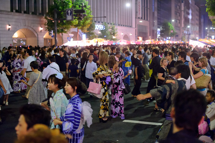 Photo Op -- Gion Matsuri (祇園祭) -- Kyoto, Japan -- Copyright 2011 Jeffrey Friedl, http://regex.info/blog/