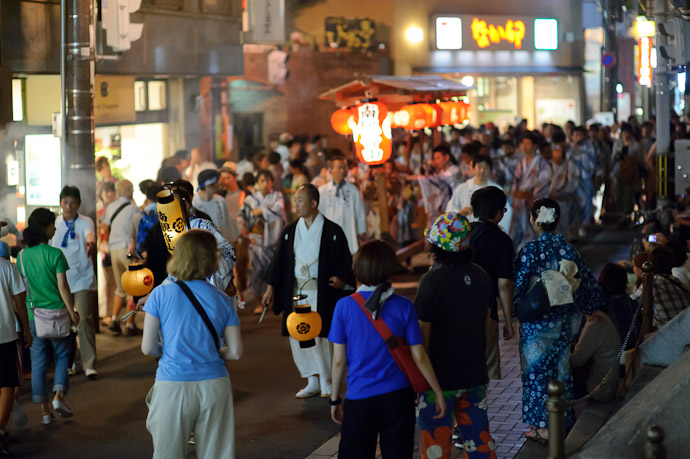 Mini Procession -- Gion Matsuri (祇園祭) -- Kyoto, Japan -- Copyright 2011 Jeffrey Friedl, http://regex.info/blog/