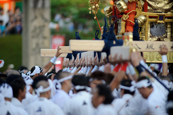 Gion Matsuri Shinkousai (祇園祭、神幸祭) -- Kyoto, Japan -- Copyright 2011 Jeffrey Friedl, http://regex.info/blog/