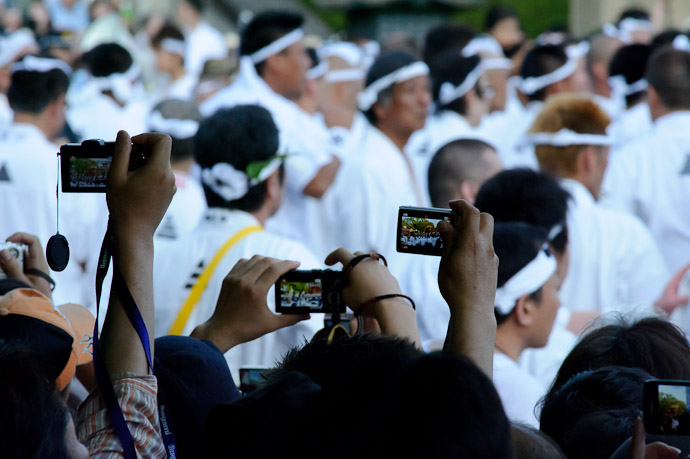 A Few More Cameras -- Gion Matsuri Shinkousai (祇園祭、神幸祭) -- Kyoto, Japan -- Copyright 2011 Jeffrey Friedl, http://regex.info/blog/