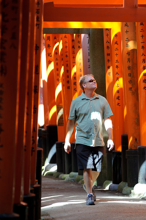 Taking it Slow Mike is one to savor life at an appropriate pace -- Fushimi-Inari Taisha (伏見稲荷大社) -- Kyoto, Japan -- Copyright 2011 Jeffrey Friedl, http://regex.info/blog/
